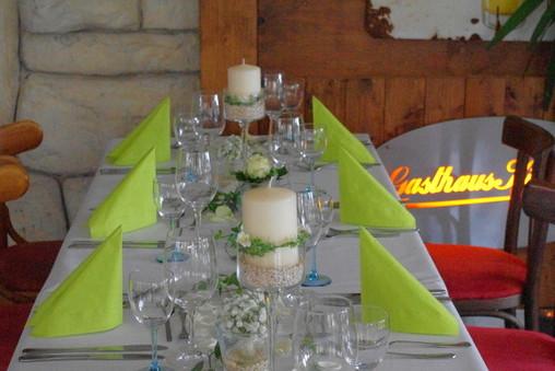 Oldtimer Hochzeit, Gasthaus Kingston, Tischdekoration Hochzeit